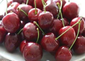 Ягоды вишни, полезные свойства и вред организму человека.