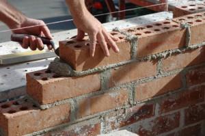 построить дом на дачном участке