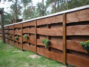 List of types of fences and barriers for the cottages, garden tools, garden plot and in general - a fence for the house